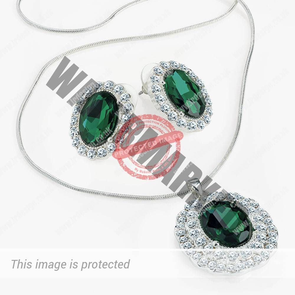 Emerald green crystal necklace and earrings.