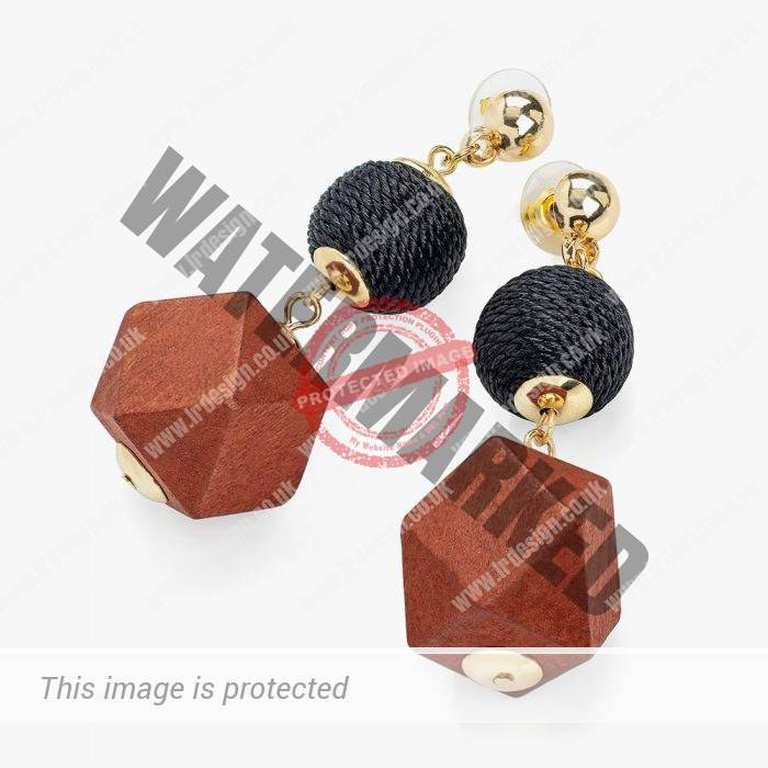 Natural wooden cube earrings.